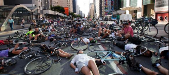 ciclistas-890x395